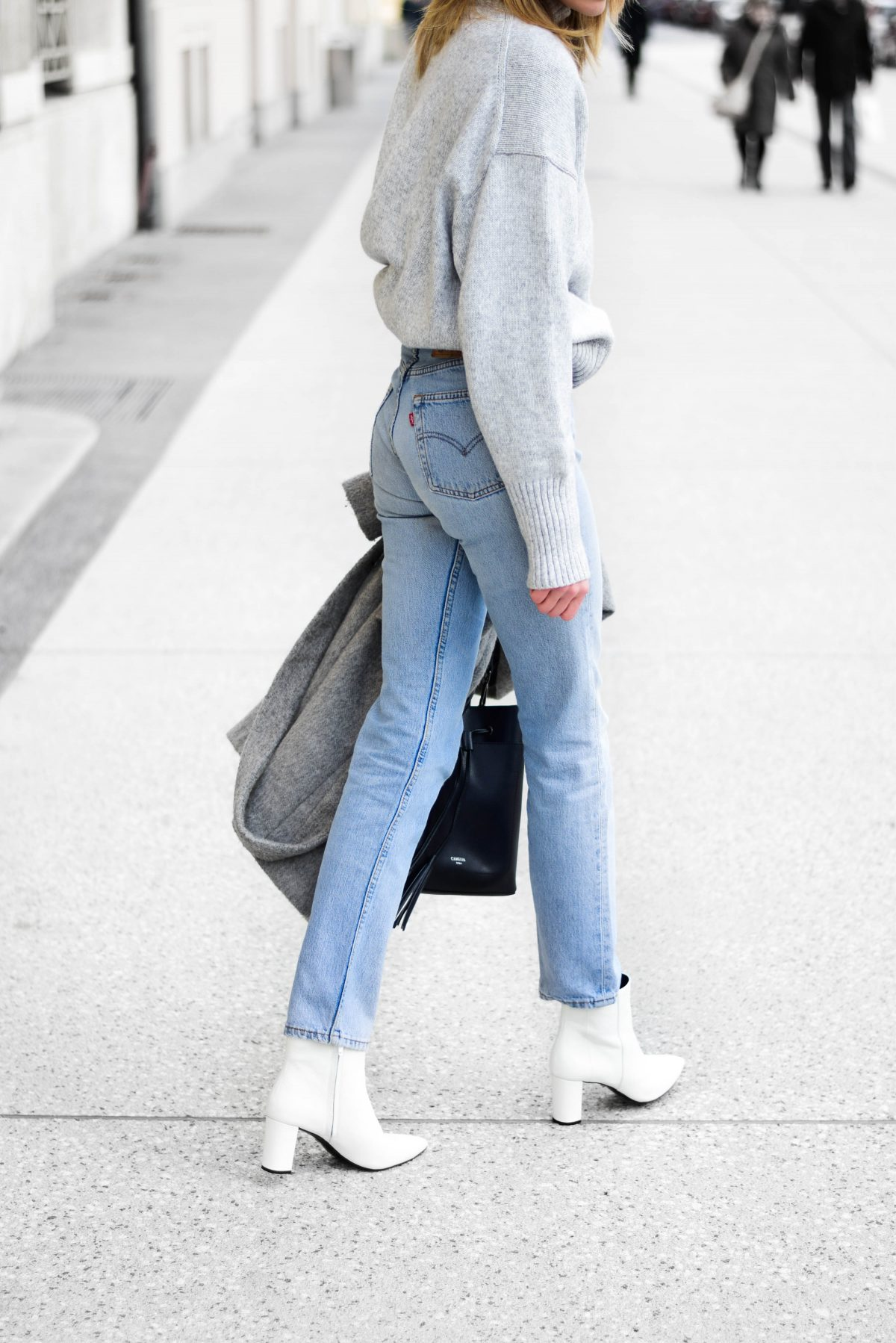 how to wear white boots  katiquette